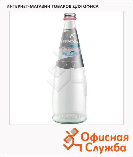 фото: Вода минеральная без газа стекло