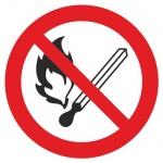 Знак Запрещается пользоваться открытым огнем и курить Гасзнак 200х200мм, самоклеящаяся пленка ПВХ, P02
